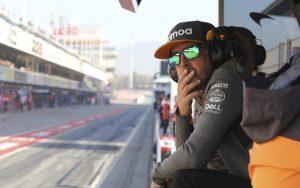 Alonso jövő héten tesztel a McLaren autójával