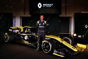 Videó: Ricciardo első köre a Renault-val lenyűgöző szemszögből