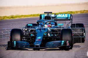 Új szárnyat vitt pályára a Mercedes