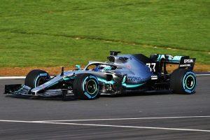 Fotó: Pályára vitte új autóját a Mercedes