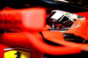 Vettel a leggyorsabb az első barcelonai tesztnapon