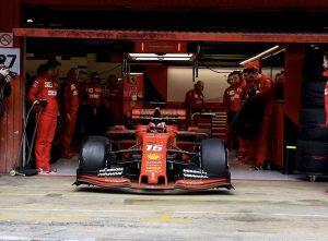Leclerc az élen a barcelonai teszten