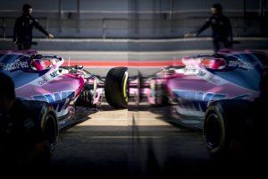 Folytatódnak az F1-es tesztek, ők ülnek autóba kedden