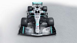 Bemutatták Hamilton új Mercedesét!