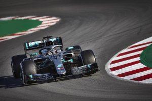 A Mercedes körözött a legtöbbet az első teszthéten