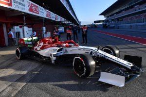Folytatódnak az F1-es tesztek, Räikkönen és Verstappen is munkában