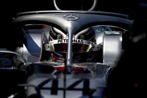 Hamilton: Egyértelmű volt, hogy a Ferrari mögött leszünk