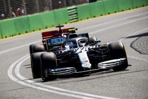 Azonos gumitaktikával készül Bahreinre a Mercedes és a Ferrari