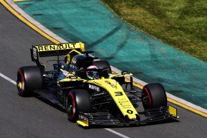 Ricciardo új kasztnit kap Bahreinben