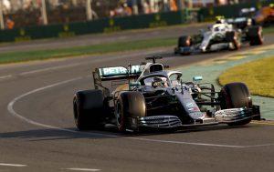 A Mercedes sejti, mi okozta Hamilton autójának sérülését