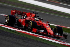 Vettel a leggyorsabb a Kínai Nagydíj nyitóedzésén