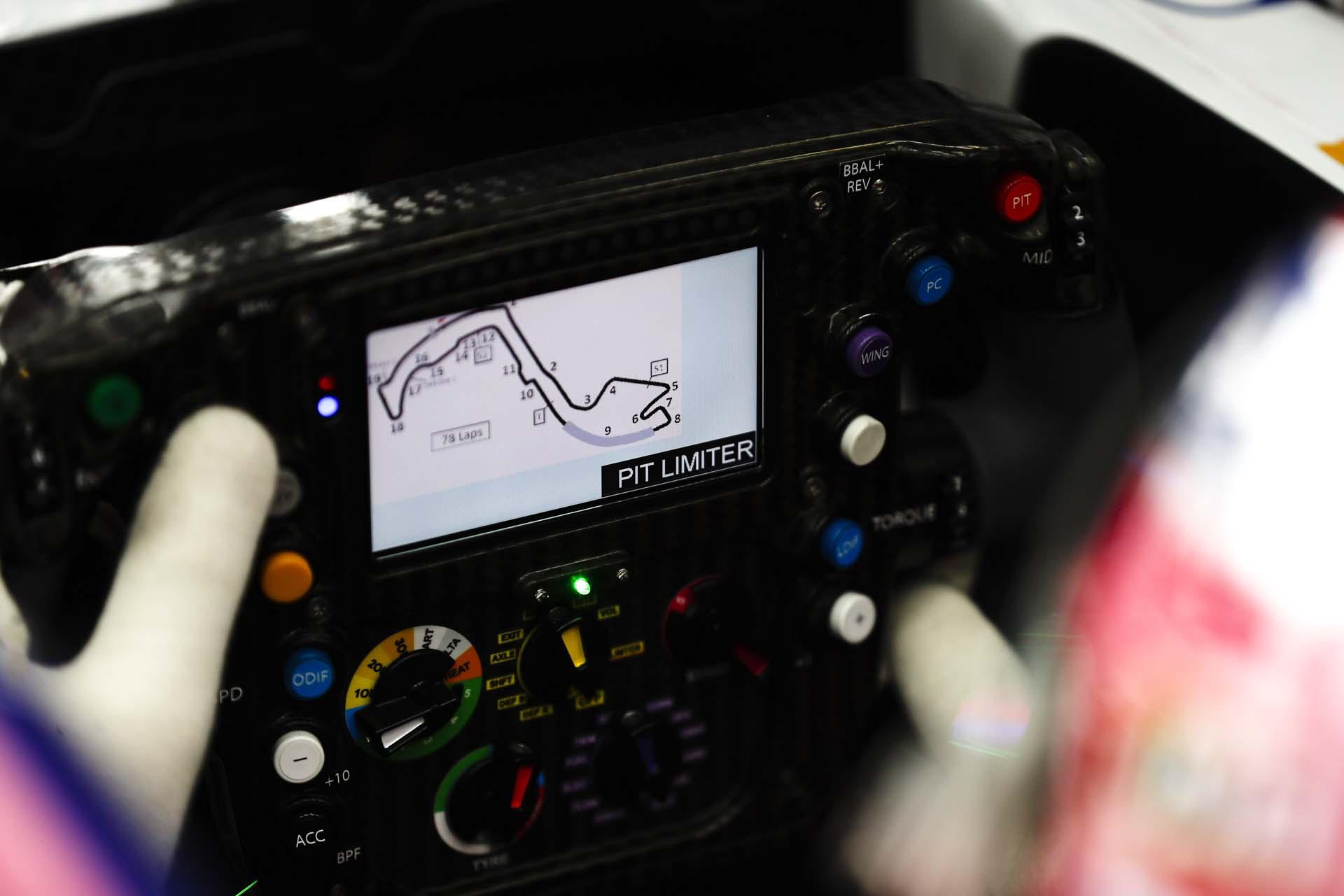 Lance Stroll, Racing Point RP19, steering wheel