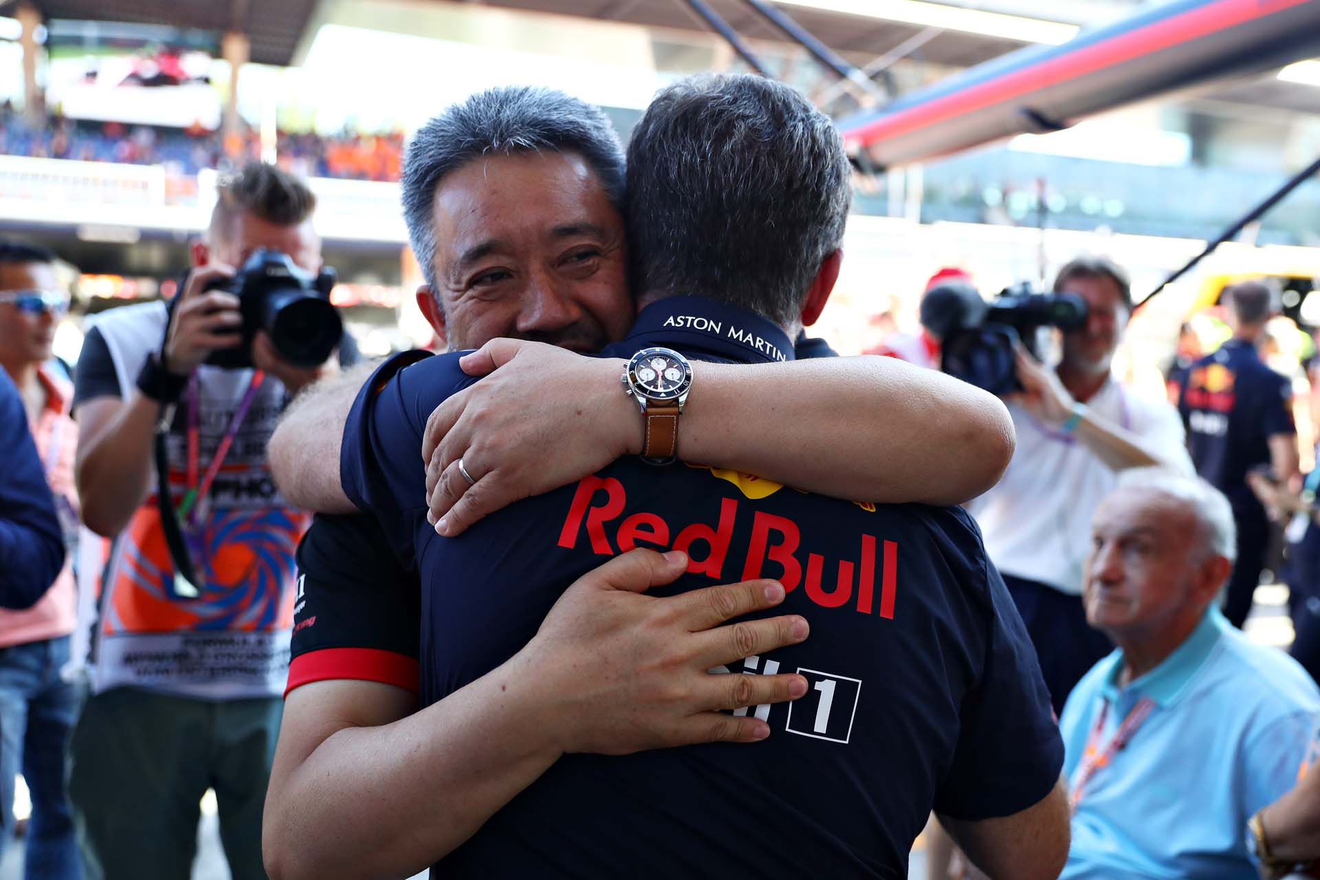 SPIELBERG, AUSTRIA - JUNE 30: Masashi Yamamoto of Honda and Red Bull Racing Team Principal Christian Horner celebrate the win of Max Verstappen of Netherlands and Red Bull Racing after the F1 Grand Prix of Austria at Red Bull Ring on June 30, 2019 in Spielberg, Austria. (Photo by Mark Thompson/Getty Images) // Getty Images / Red Bull Content Pool  // AP-1ZTA9PHJN1W11 // Usage for editorial use only // Please go to www.redbullcontentpool.com for further information. //