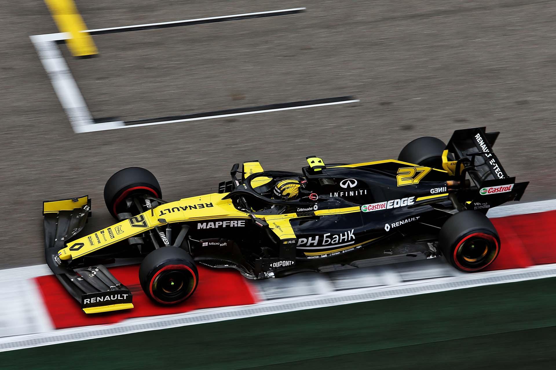 Motor Racing - Formula One World Championship - Russian Grand Prix - Qualifying Day - Sochi, Russia