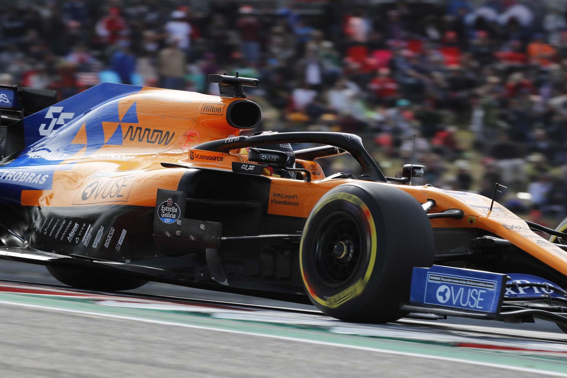 Carlos Sainz, McLaren MCL34, on a turn