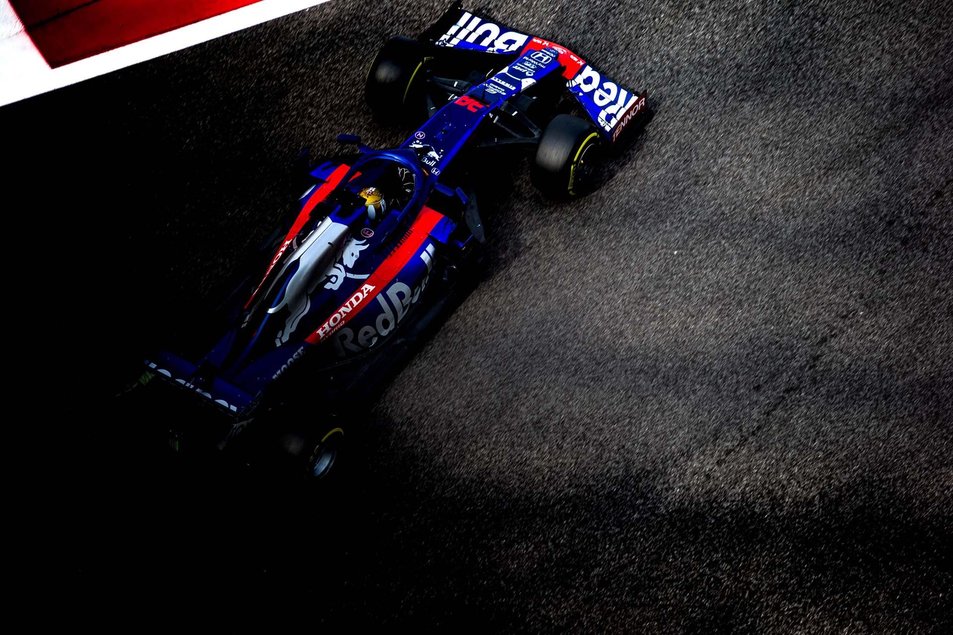 F1 End of Season Testing in Abu Dhabi - Day One