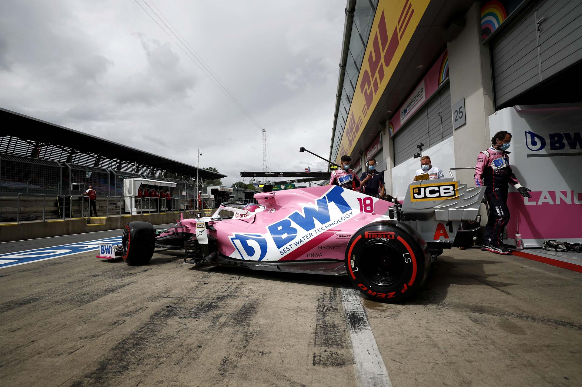 Lance Stroll, Racing Point RP20 leaves the garage