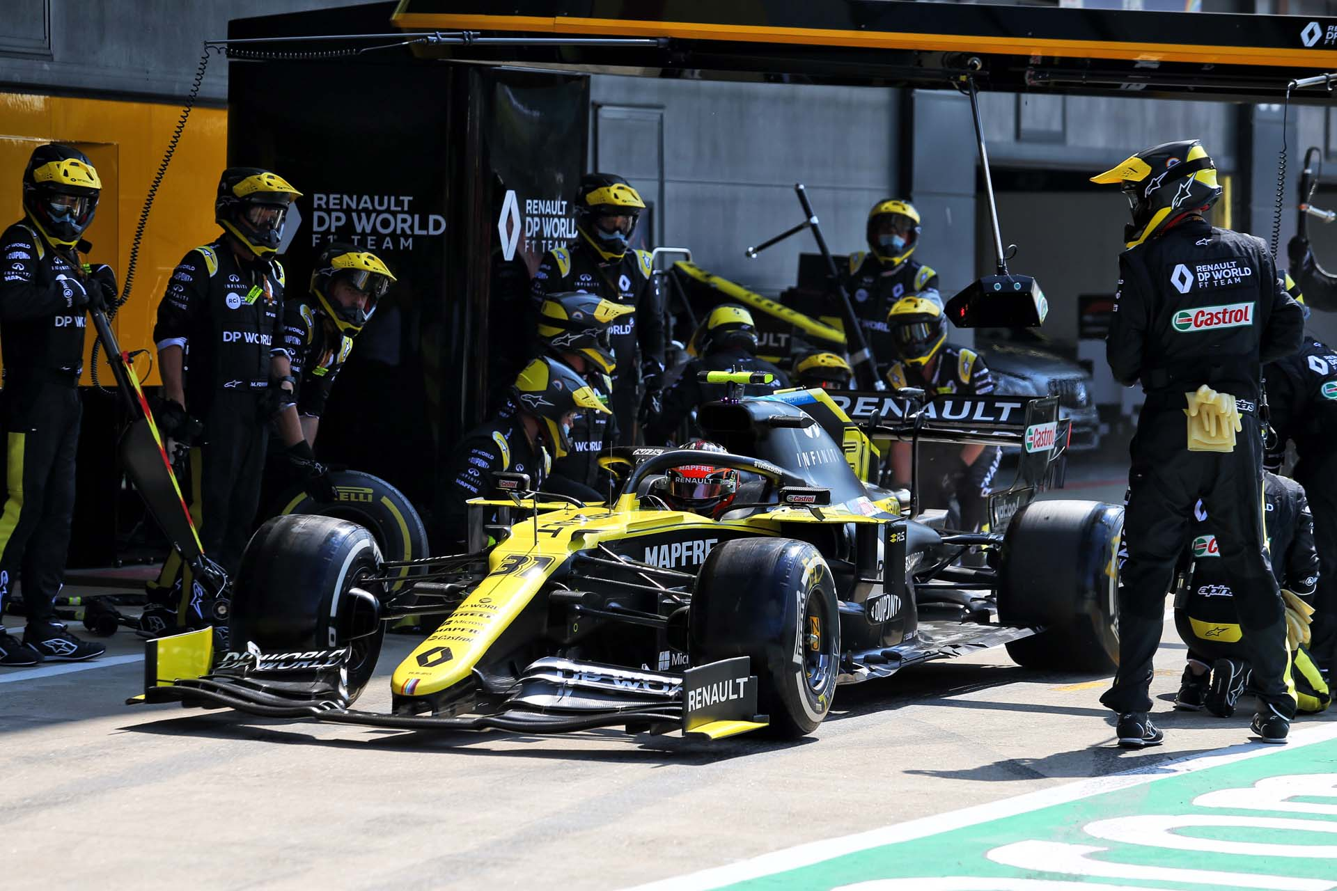 Motor Racing - Formula One World Championship - 70th Anniversary Grand Prix - Race Day - Silverstone, England