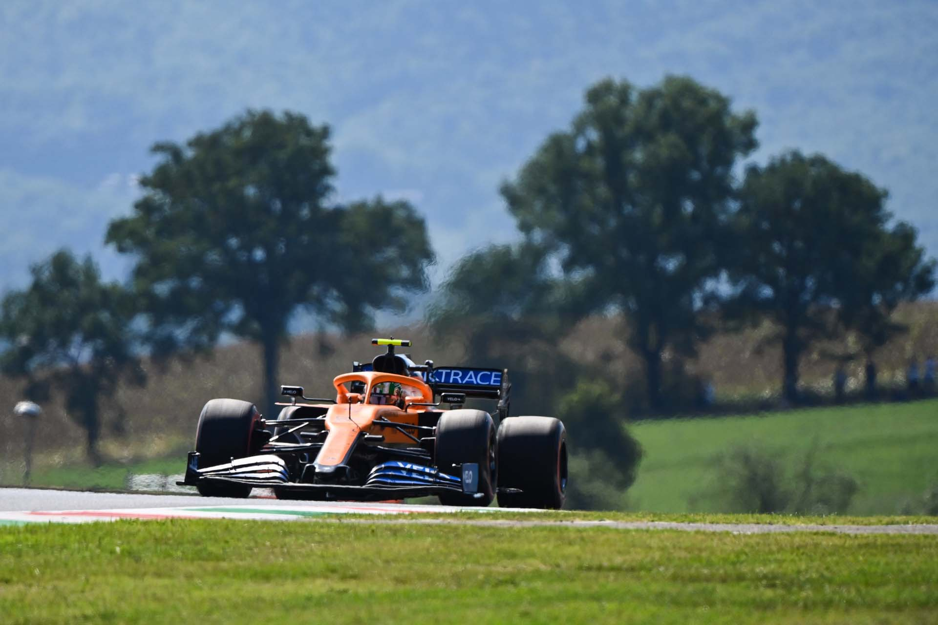 Lando Norris, McLaren MCL35, on a straight
