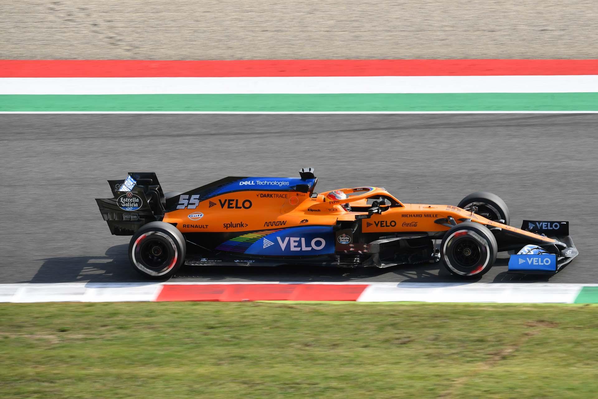 Carlos Sainz, McLaren MCL35, in a corner