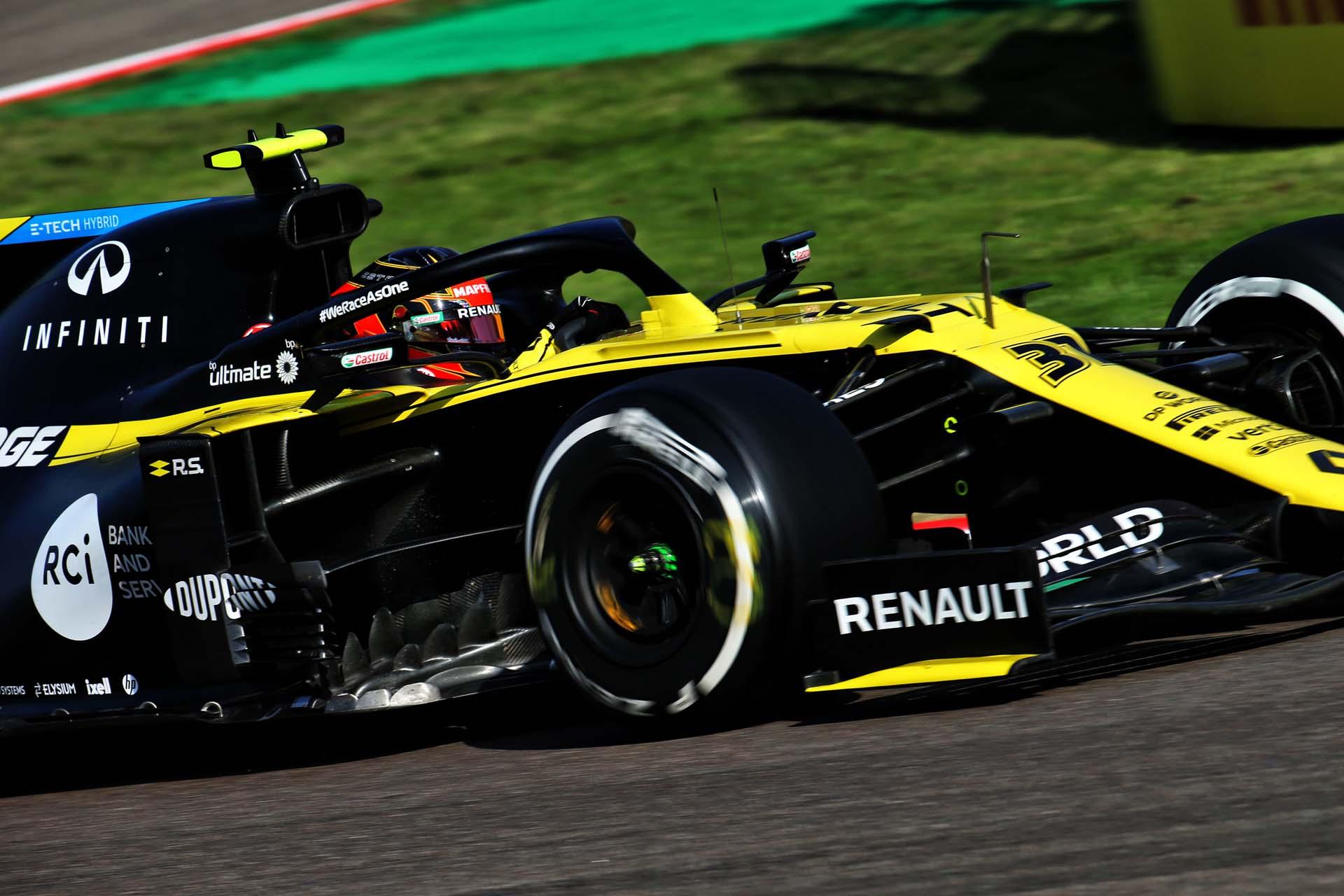 Motor Racing - Formula One World Championship - Emilia Romagna Grand Prix - Qualifying Day - Imola, Italy