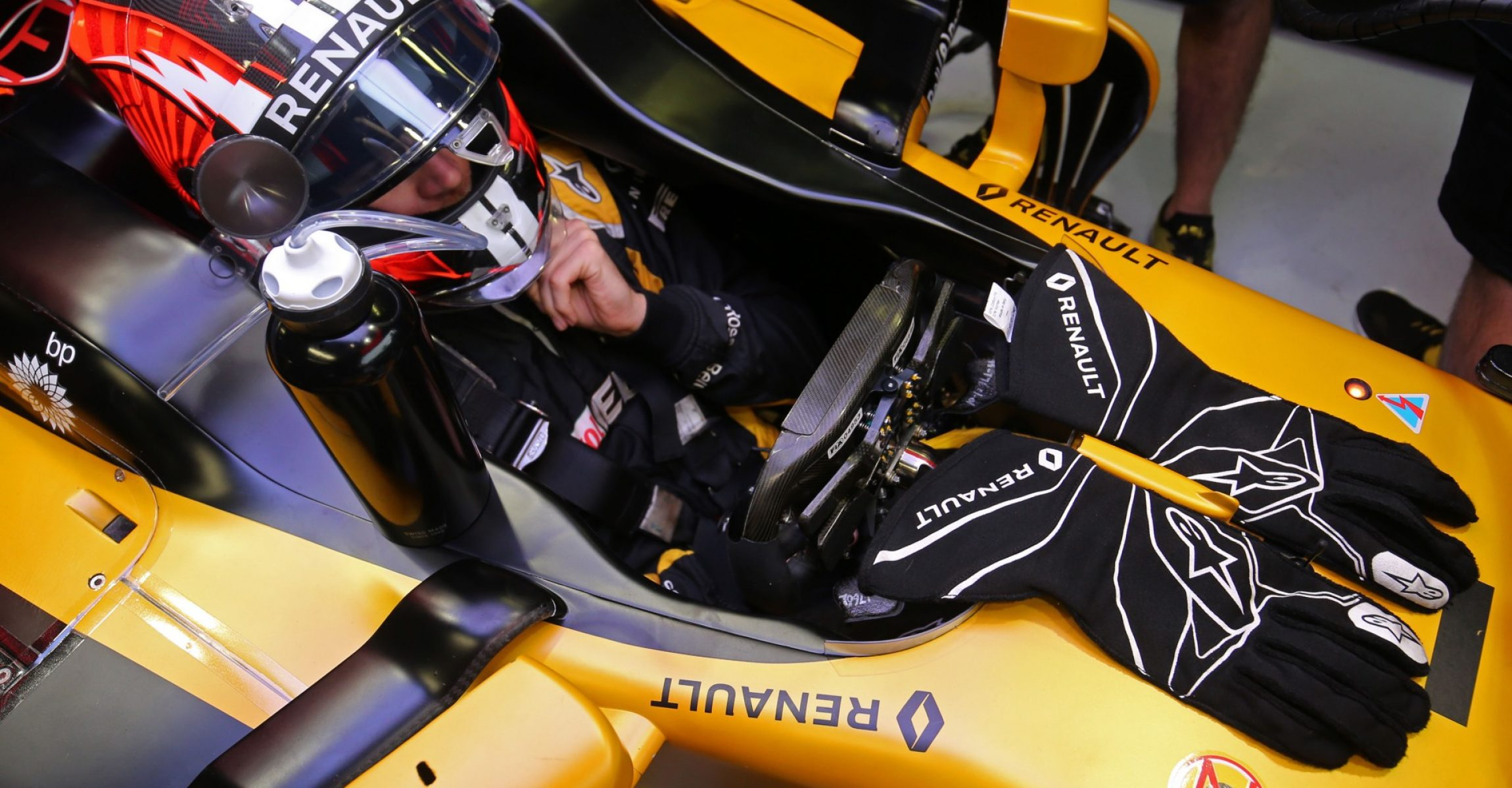Nico Hulkenberg (GER) Renault Sport F1 Team RS17. Italian Grand Prix, Saturday 2nd September 2017. Monza Italy.