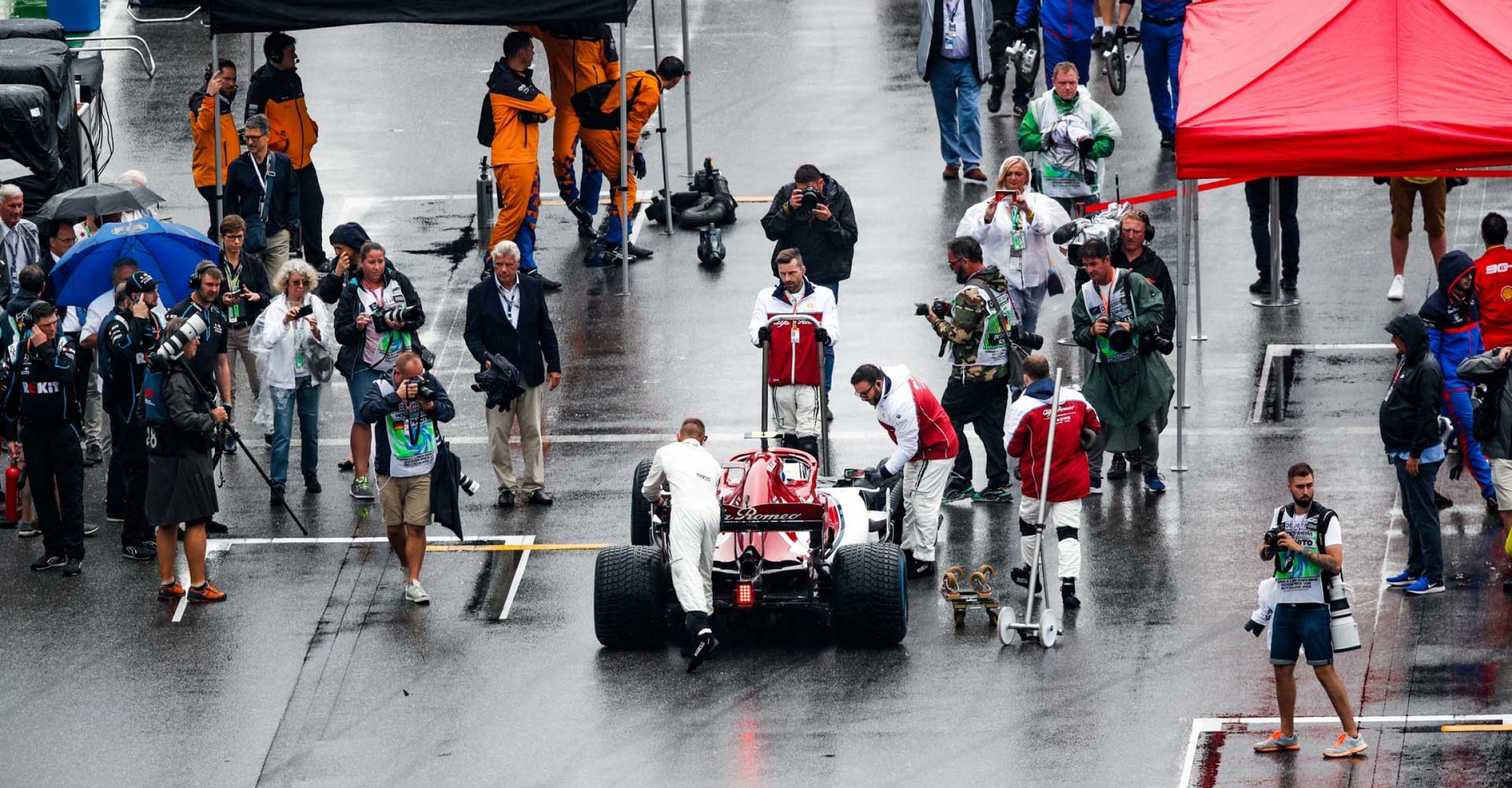 99 GIOVINAZZI Antonio (ita), Alfa Romeo Racing C38 on the starting grid, grille de depart during the 2019 Formula One World Championship, Germany Grand Prix from July 25 to 28, in Hockenheim, Germany - Photo Florent Gooden / DPPI