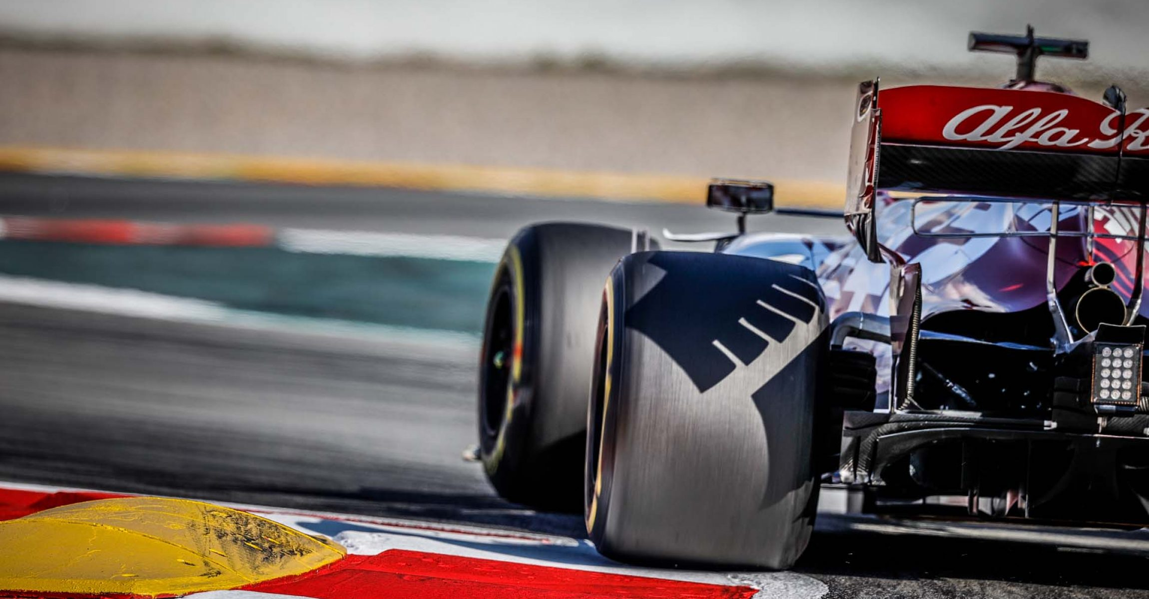 99 GIOVINAZZI Antonio (ita), Alfa Romeo Racing C39, action during the first session of the Formula 1 Pre-season testing 2020 from February 19 to 21, 2020 on the Circuit de Barcelona-Catalunya, in Montmelo, Barcelona, Spain - Photo Frederic Le Floc'h / DPPI
