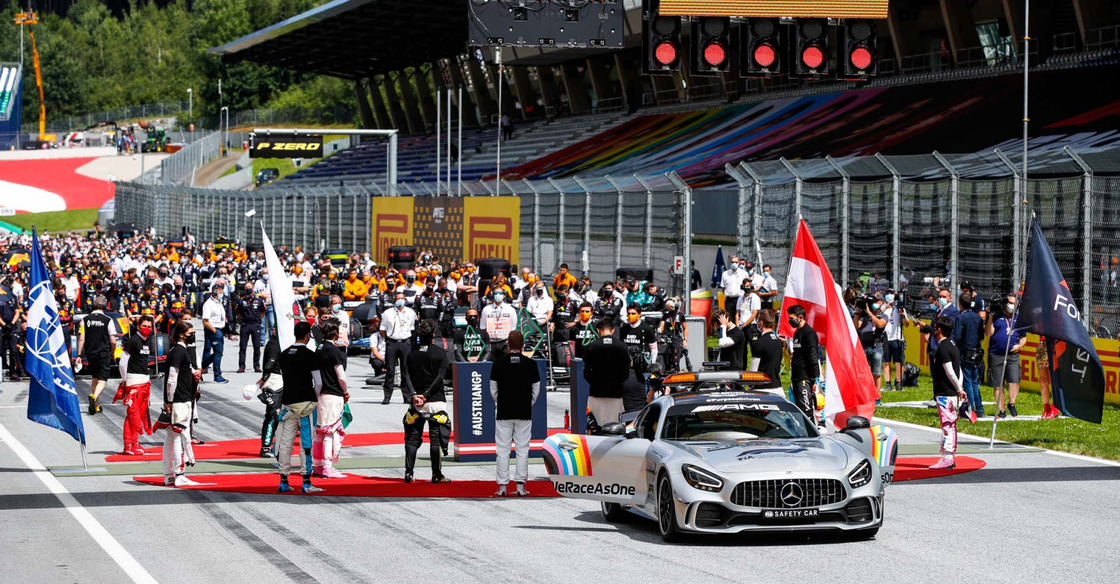 Drivers during the National anthem during the Formula 1 Pirelli Grosser Preis der Steiermark 2020, Styrian Grand Prix from July 10 to 12, 2020 on the Red Bull Ring, in Spielberg, Austria - Photo Florent Gooden / DPPI safety car