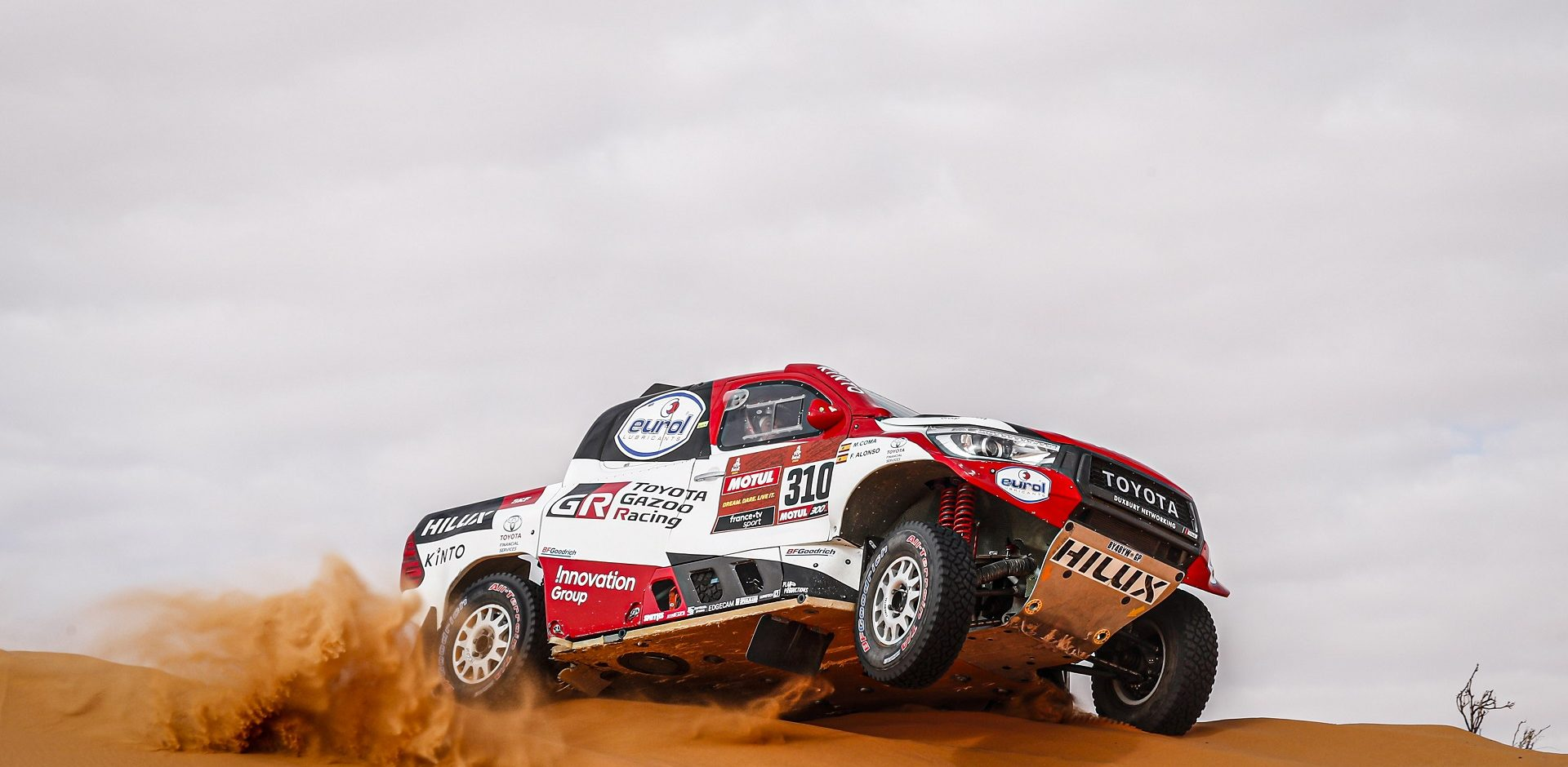 310 Alonso Fernando (esp), Coma Marc (esp), Toyota Hilux, Toyota Gazoo Ragin, Auto, Car, action during Stage 6 of the Dakar 2020 between Ha'il and Riyadh, 830 km - SS 478 km, in Saudi Arabia, on January 10, 2020 - Photo DPPI