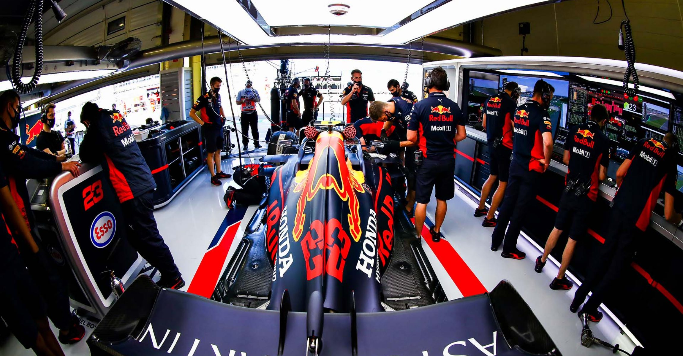 NORTHAMPTON, ENGLAND - AUGUST 07: A general view of the car of Alexander Albon of Thailand and Red Bull Racing in the garage during practice for the F1 70th Anniversary Grand Prix at Silverstone on August 07, 2020 in Northampton, England. (Photo by Mark Thompson/Getty Images,)
