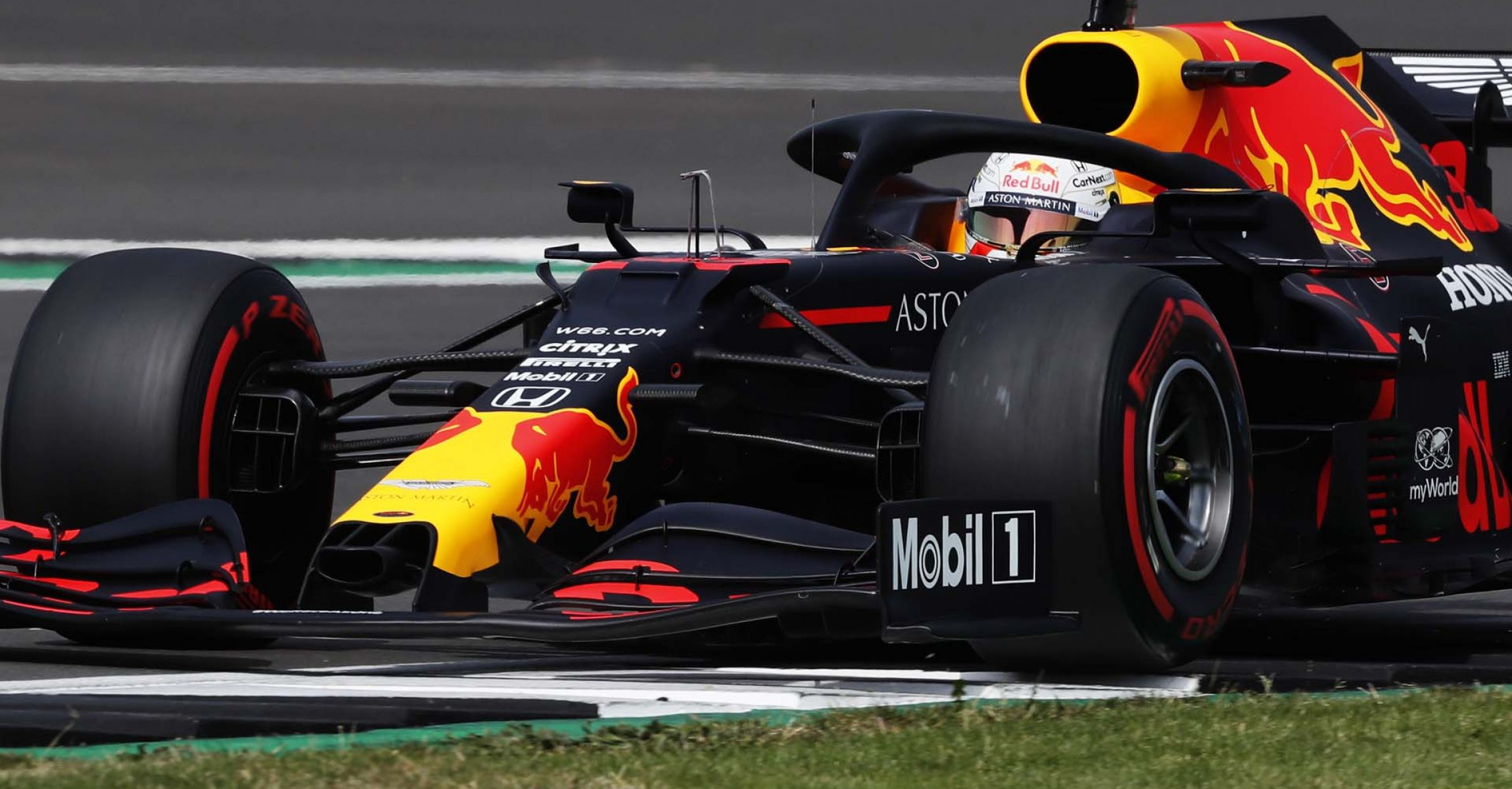 NORTHAMPTON, ENGLAND - AUGUST 08: Max Verstappen of the Netherlands driving the (33) Aston Martin Red Bull Racing RB16 on track during qualifying for the F1 70th Anniversary Grand Prix at Silverstone on August 08, 2020 in Northampton, England. (Photo by Frank Augstein/Pool via Getty Images)