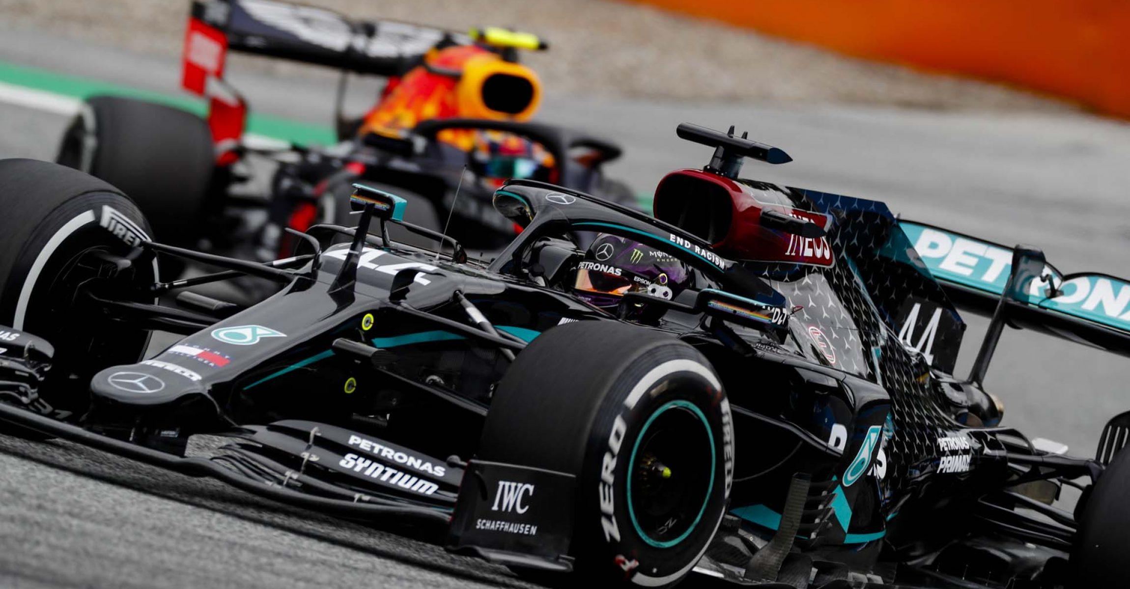 2020 Austrian Grand Prix, Friday - LAT Images Lewis Hamilton Mercedes followed by Alexander Albon Red Bull