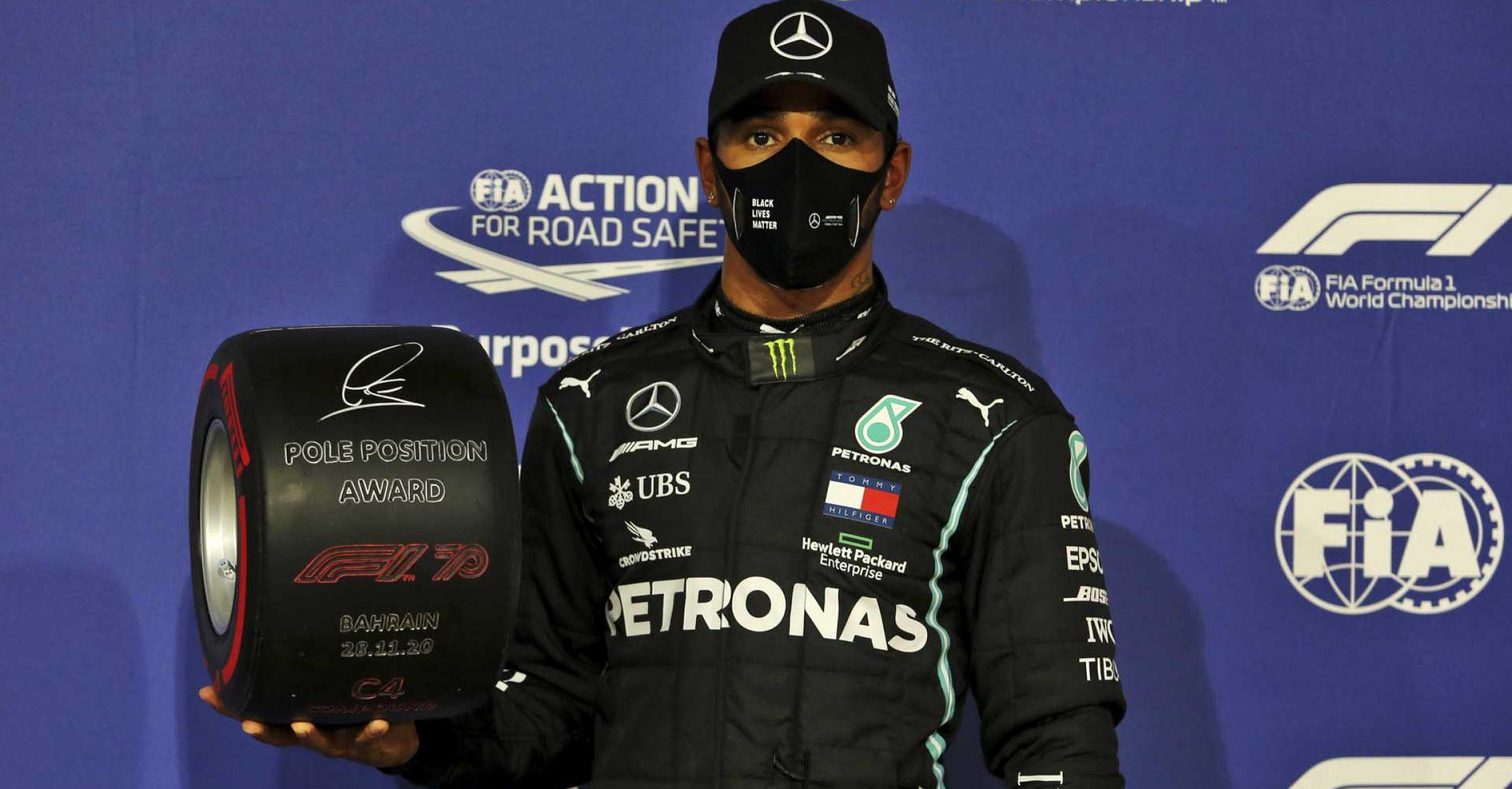 2020 Bahrain Grand Prix, Saturday - LAT Images Lewis Hamilton Mercedes Pole Position Award
