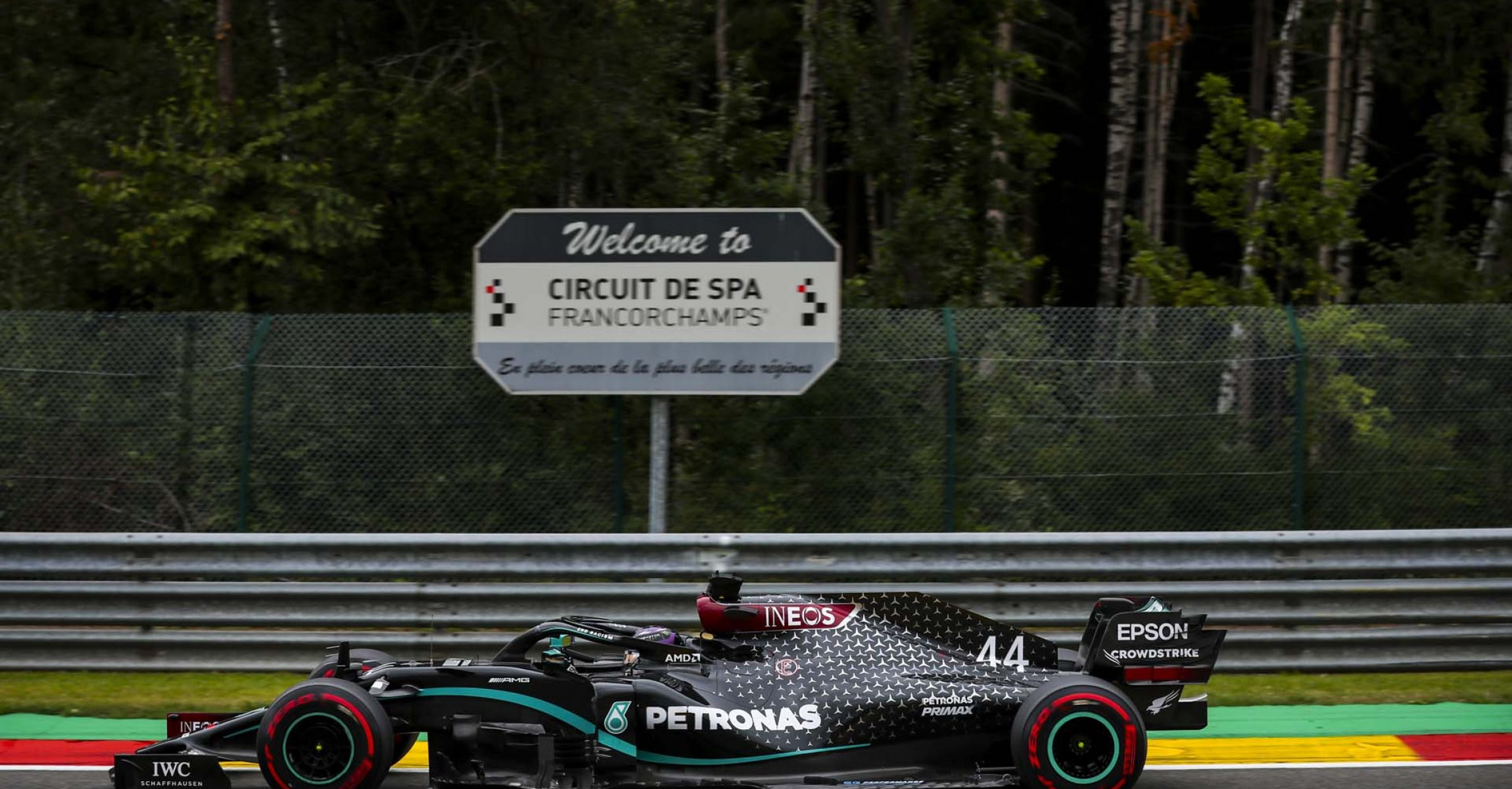 SPA-FRANCORCHAMPS, BELGIUM - AUGUST 28: Lewis Hamilton, Mercedes F1 W11 EQ Performance during the Belgian GP at Spa-Francorchamps on Friday August 28, 2020 in Spa, Belgium. (Photo by Charles Coates / LAT Images)
