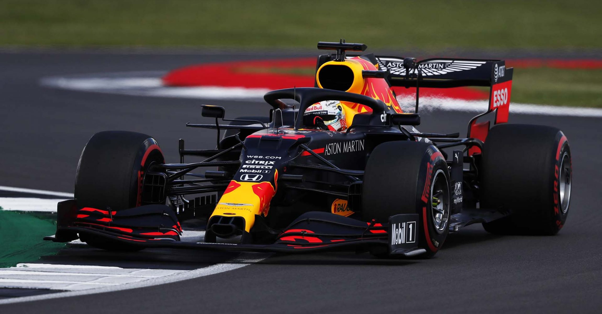 NORTHAMPTON, ENGLAND - AUGUST 01: Max Verstappen of the Netherlands driving the (33) Aston Martin Red Bull Racing RB16 on track during qualifying for the F1 Grand Prix of Great Britain at Silverstone on August 01, 2020 in Northampton, England. (Photo by Frank Augstein/Pool via Getty Images)
