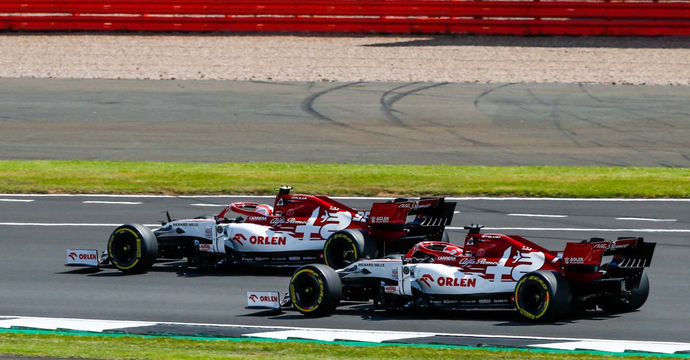 Start of the race, 99 GIOVINAZZI Antonio (ita), Alfa Romeo Racing C39, 07 RAIKKONEN Kimi Räikkönen (fin), Alfa Romeo Racing C39, action during the Formula 1 Pirelli British Grand Prix 2020, from July 31 to August 02, 2020 on the Silverstone Circuit, in Silverstone, United Kingdom - Photo Xavi Bonilla / DPPI