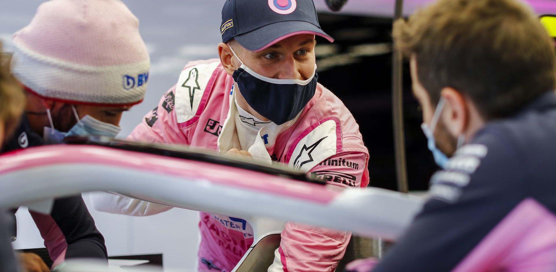 Nico Hülkenberg, Racing Point, with his mechanics