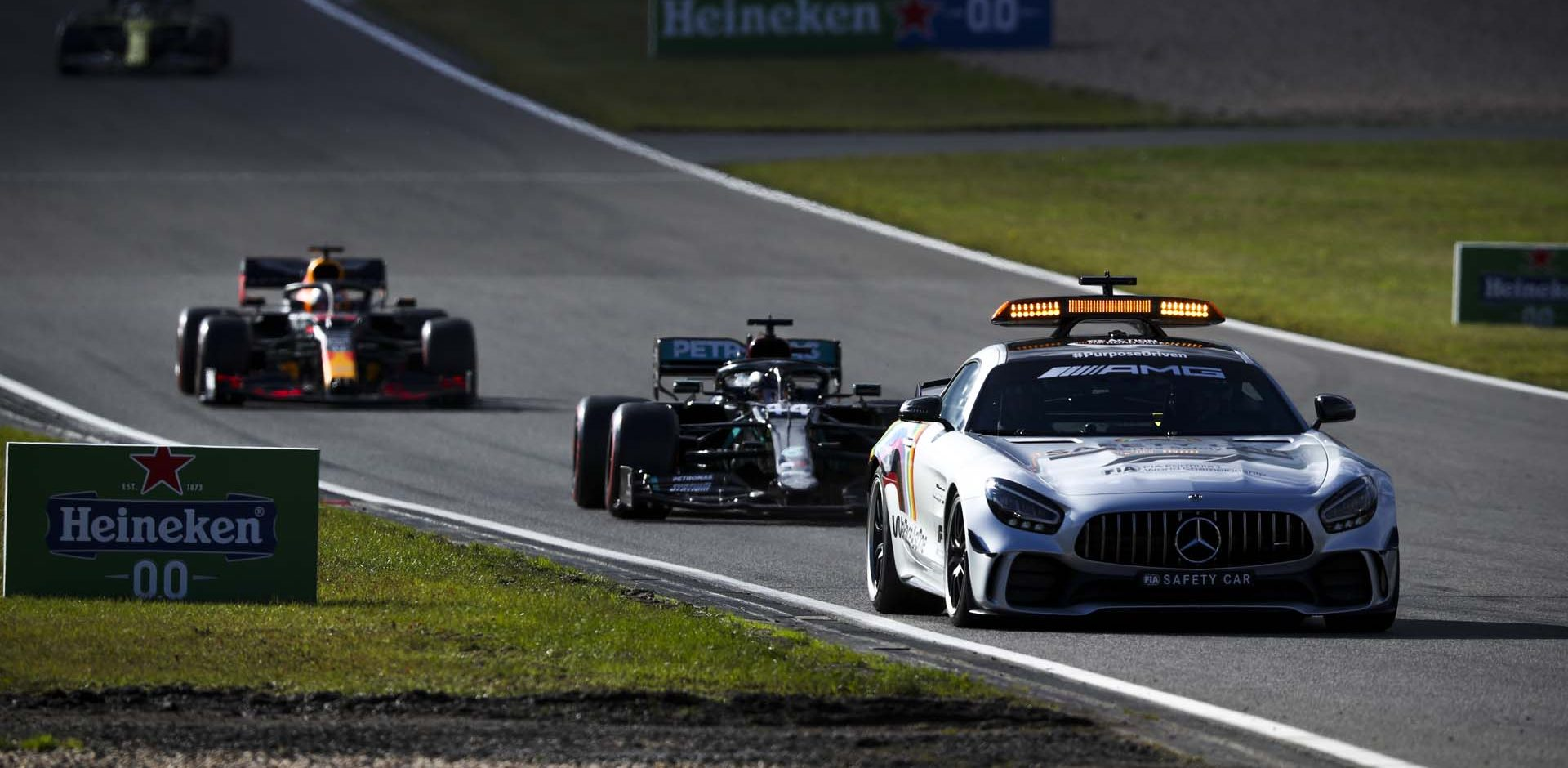 2020 Eifel Grand Prix, Sunday - LAT Images Safety Car Lewis Hamilton Max Verstappen