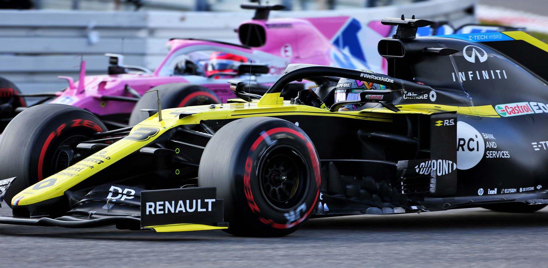 Daniel Ricciardo (AUS) Renault F1 Team RS20 and Sergio Perez (MEX) Racing Point F1 Team RP19 battle for position. Eifel Grand Prix, Sunday 11th October 2020. Nurbugring, Germany.