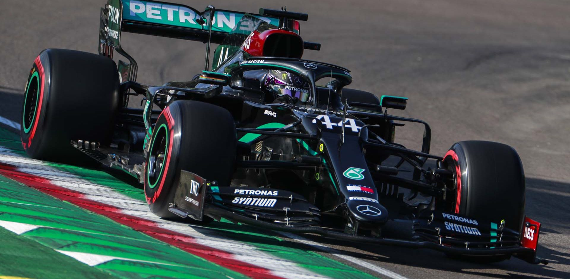 IMOLA, ITALY - OCTOBER 31: Lewis Hamilton, Mercedes F1 W11 EQ Performance during the Emilia-Romagna GP at Imola on Saturday October 31, 2020, Italy. (Photo by Steven Tee / LAT Images)
