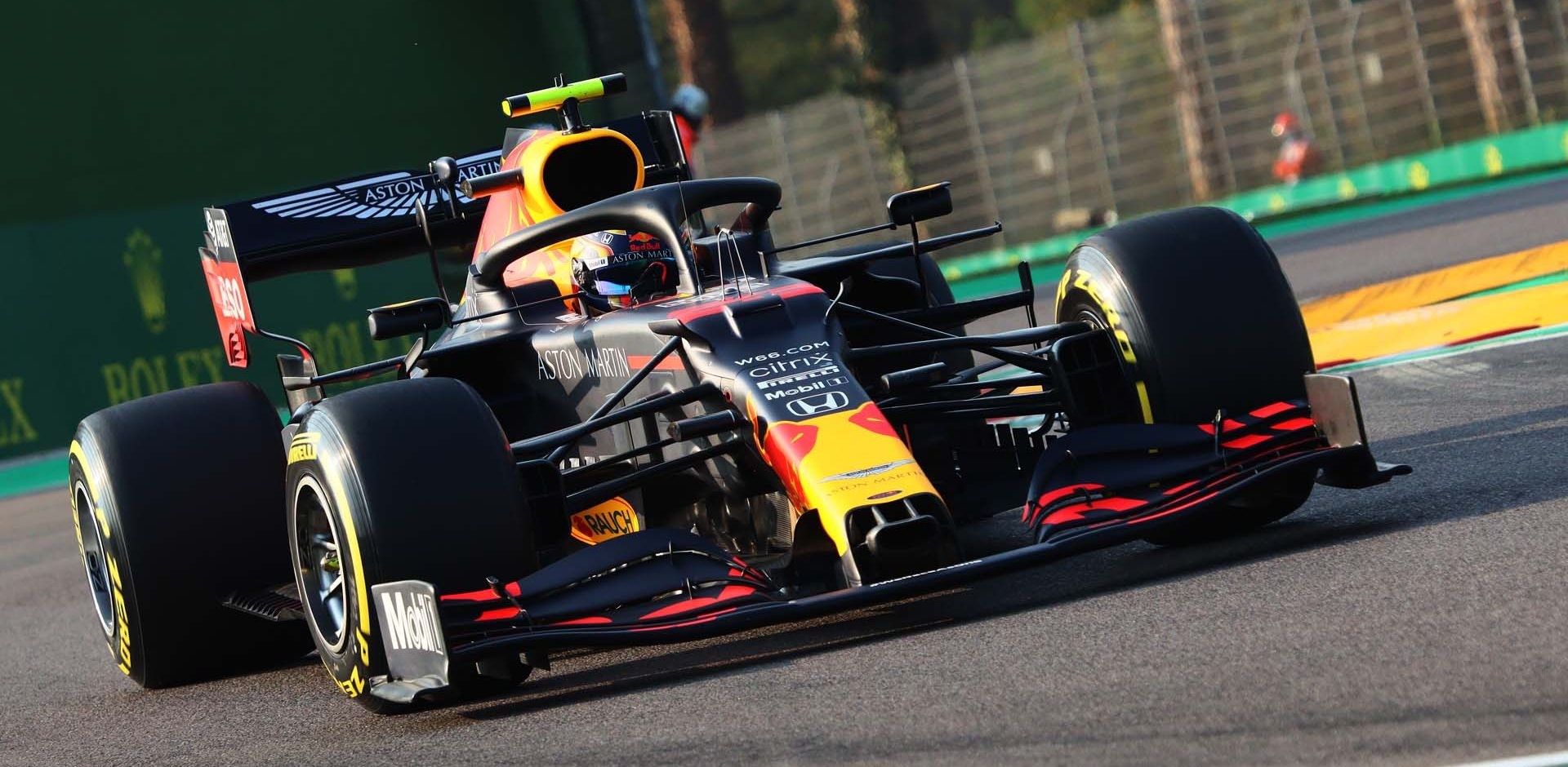 IMOLA, ITALY - OCTOBER 31: Alexander Albon of Thailand driving the (23) Aston Martin Red Bull Racing RB16 on track during qualifying ahead of the F1 Grand Prix of Emilia Romagna at Autodromo Enzo e Dino Ferrari on October 31, 2020 in Imola, Italy. (Photo by Davide Gennari - Pool/Getty Images)