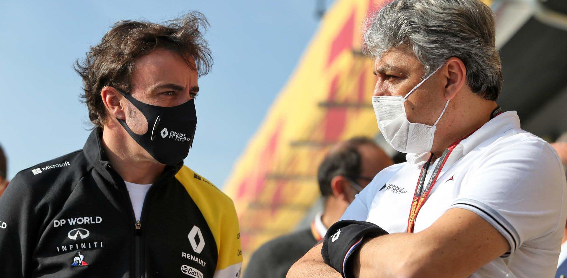 (L to R): Fernando Alonso (ESP) Renault F1 Team with Luca de Meo (ITA) Groupe Renault Chief Executive Officer. Emilia Romagna Grand Prix, Saturday 31st October 2020. Imola, Italy.