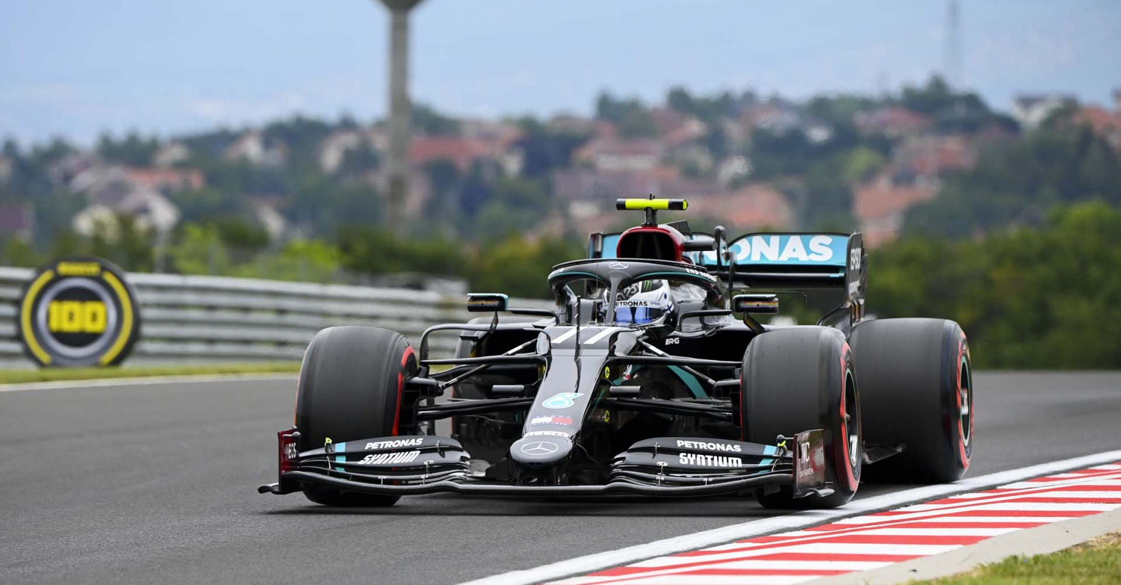 HUNGARORING, HUNGARY - JULY 17: Valtteri Bottas, Mercedes F1 W11 EQ Performance during the Hungarian GP at Hungaroring on Friday July 17, 2020 in Budapest, Hungary. (Photo by Mark Sutton / LAT Images)