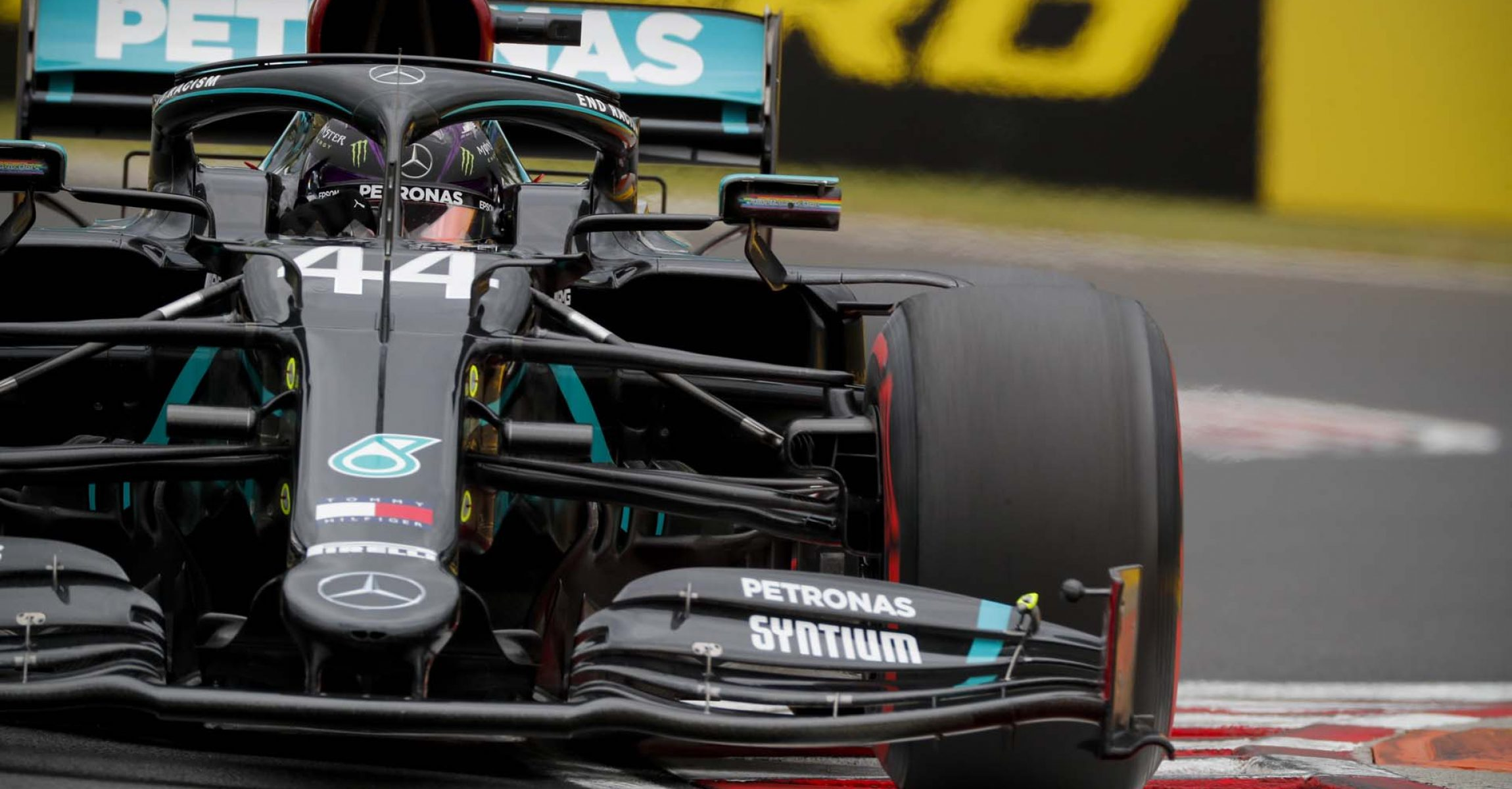 2020 Hungarian Grand Prix, Saturday - LAT Images Lewis Hamilton Mercedes