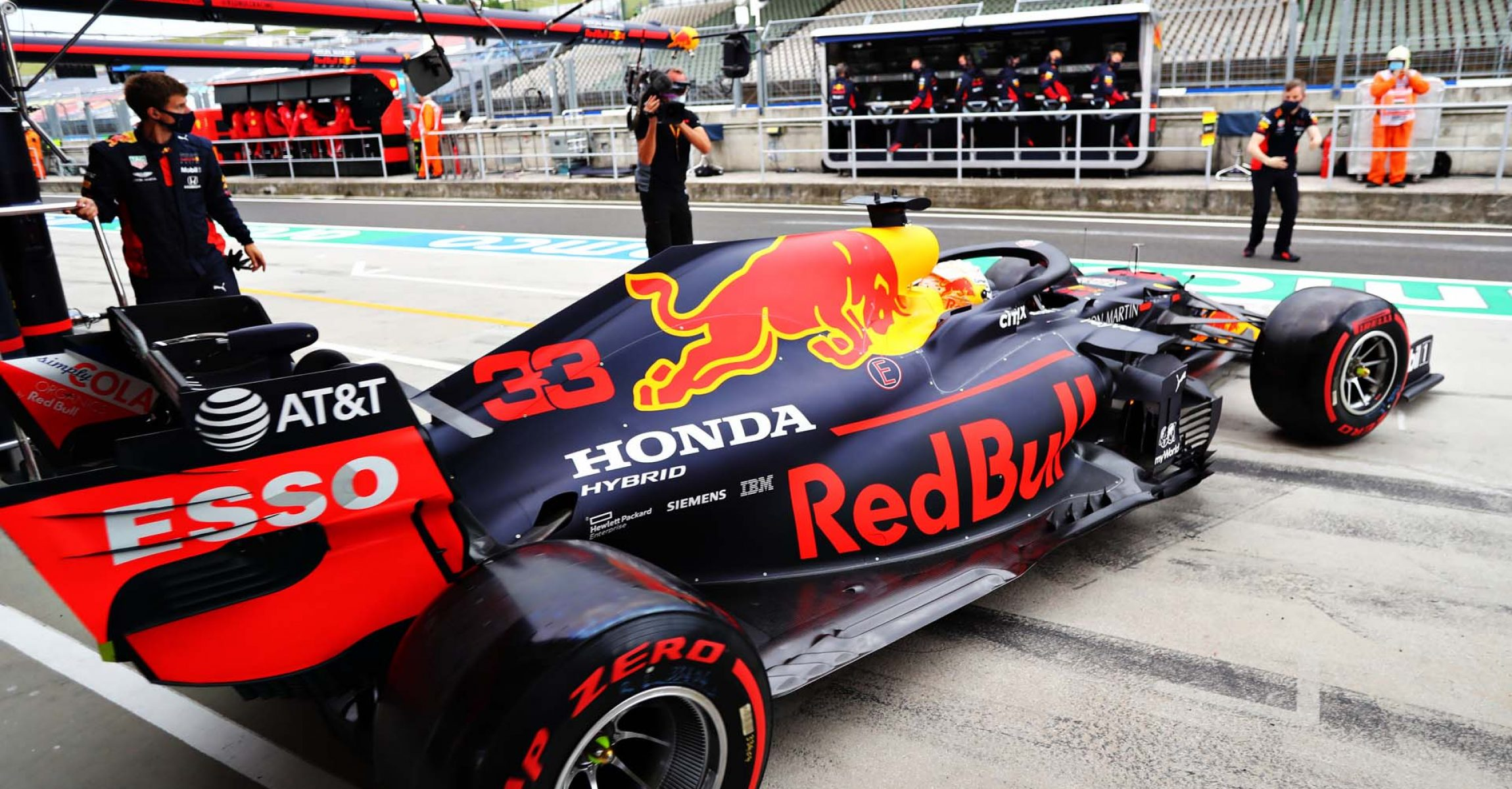 BUDAPEST, HUNGARY - JULY 18: Max Verstappen of the Netherlands driving the (33) Aston Martin Red Bull Racing RB16 leaves the garage during qualifying for the F1 Grand Prix of Hungary at Hungaroring on July 18, 2020 in Budapest, Hungary. (Photo by Getty Images/Getty Images) // Getty Images / Red Bull Content Pool  // AP-24NVQHQ1S2111 // Usage for editorial use only //