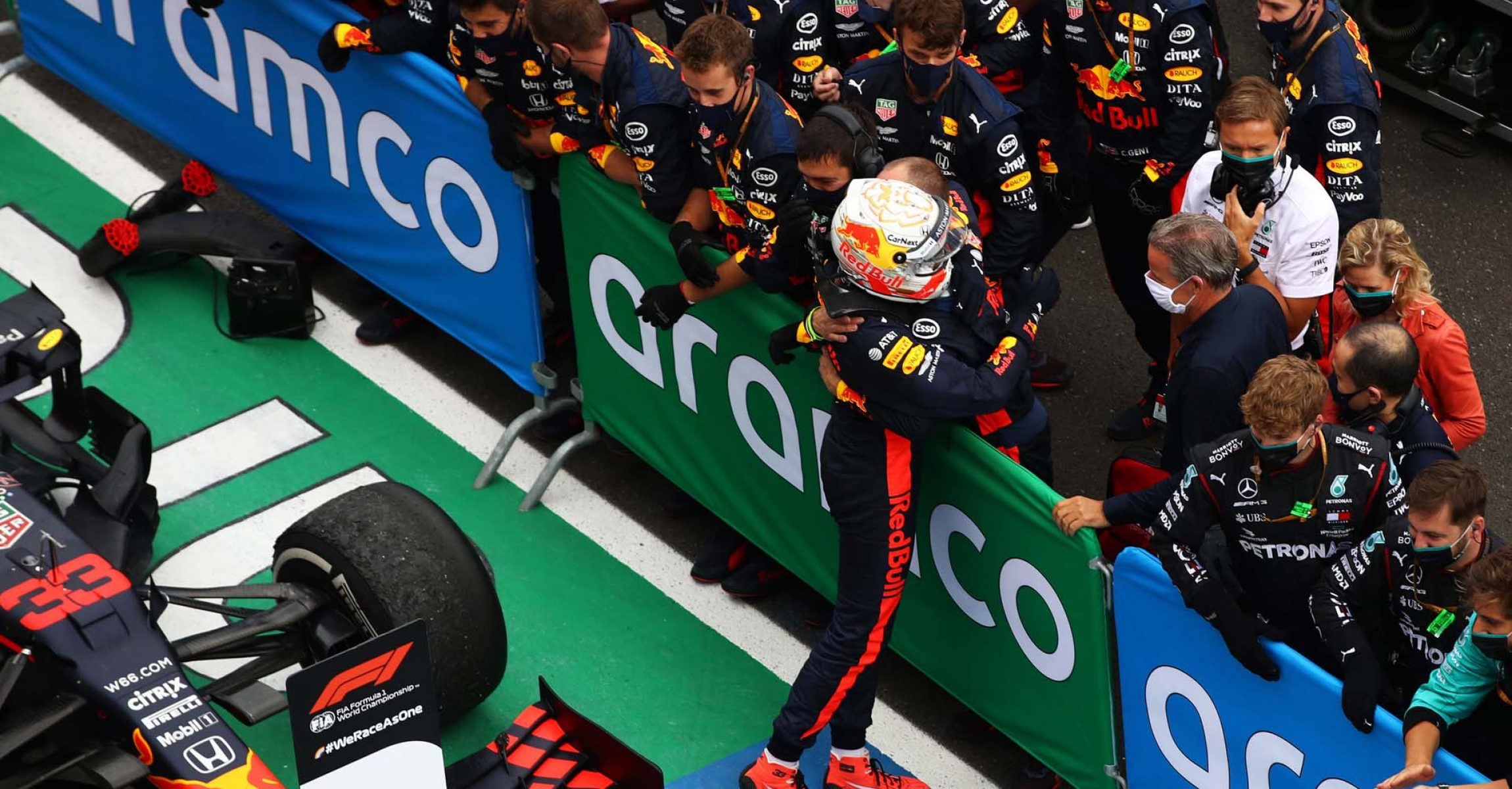 BUDAPEST, HUNGARY - JULY 19: Second placed Max Verstappen of Netherlands and Red Bull Racing celebrates with team members in parc ferme after the Formula One Grand Prix of Hungary at Hungaroring on July 19, 2020 in Budapest, Hungary. (Photo by Mark Thompson/Getty Images) // Getty Images / Red Bull Content Pool  // AP-24P7N6CK11W11 // Usage for editorial use only //