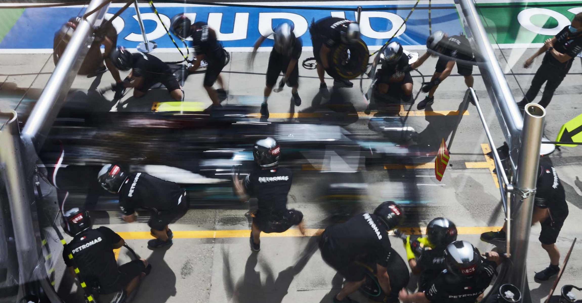 2020 Hungarian Grand Prix, Thursday - Steve Etherington Mercedes pitstop
