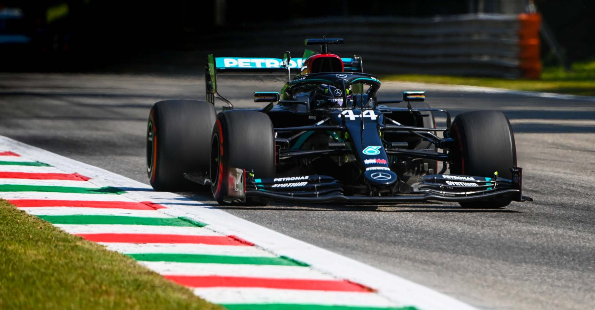2020 Italian Grand Prix, Friday - LAT Images Lewis Hamilton Mercedes