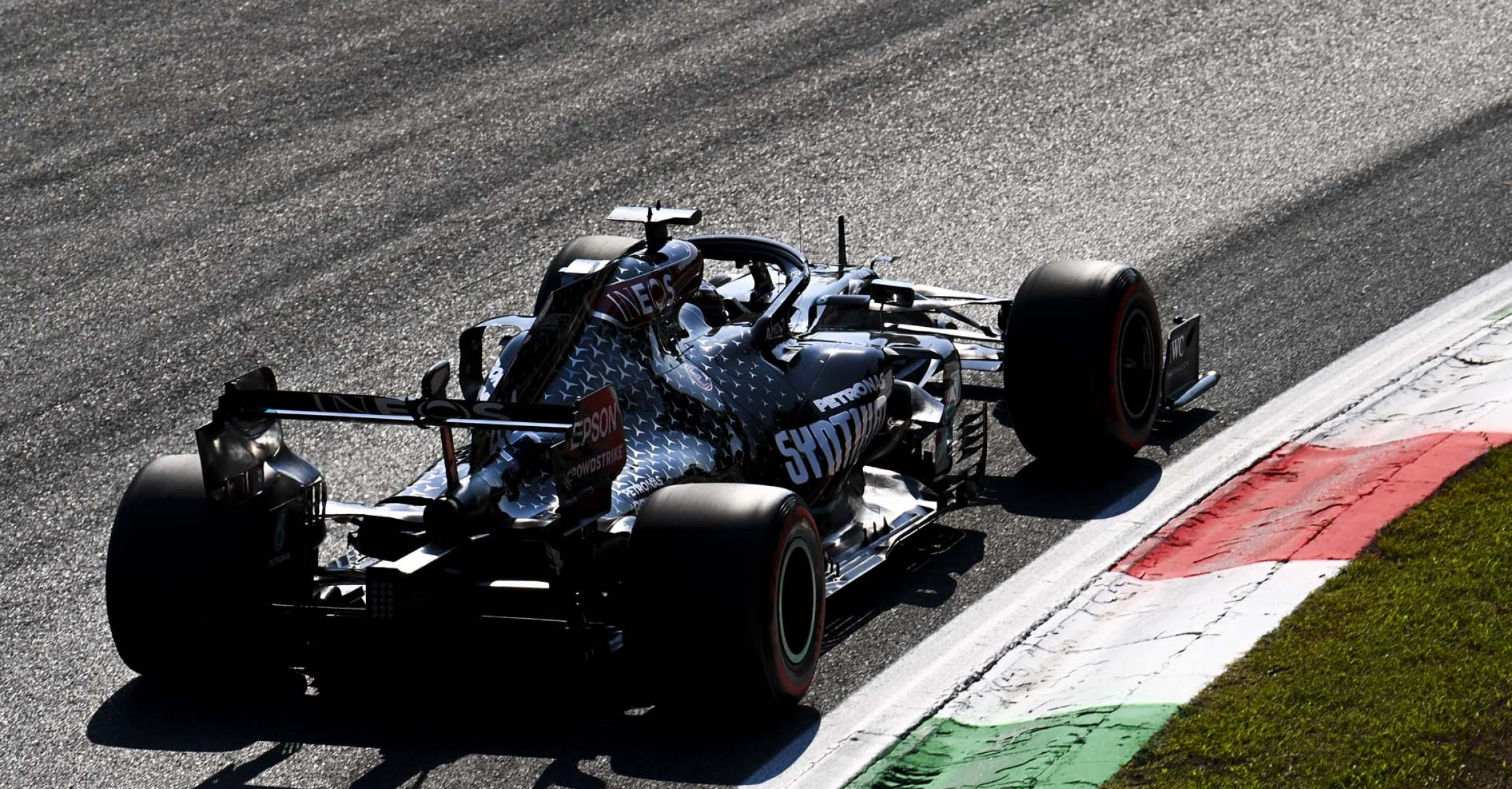 2020 Italian Grand Prix, Friday - LAT Images Lewis Hamilton Mercedes
